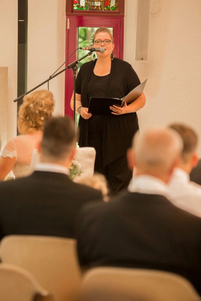 Live-Gesang bei einem Traugottesdienst in Neckarsulm.